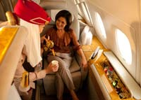 Exklusives Service in der First Class an Bord von Emirates A380